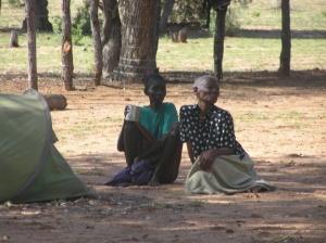 Kaputu & Ndjinaa under the tree